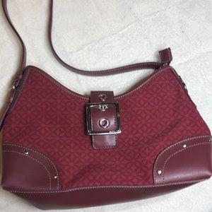 Relic Maroon Canvas & Leather Bag    SB29